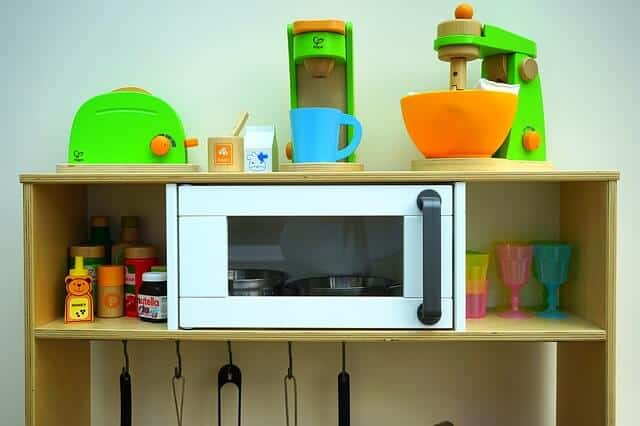 A play kitchen with accessories - what is the perfect kid's age for it?